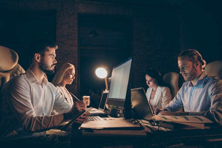 Lavoratori al computer