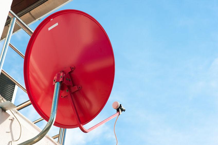 Antenna parabolica rossa