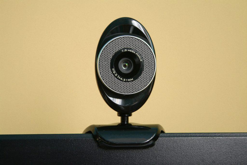 Close de uma Webcam fixada